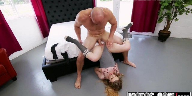 mofos dont break me gamer chick gets stretched out starr