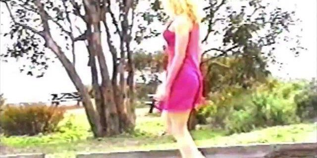 kimberly kyle makes naked phone call in public park