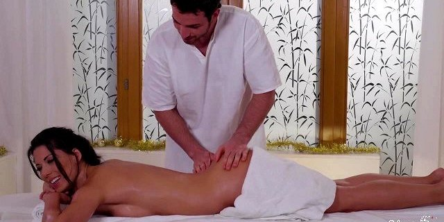 relaxxxed hot oily massage and sensual christmas fuck